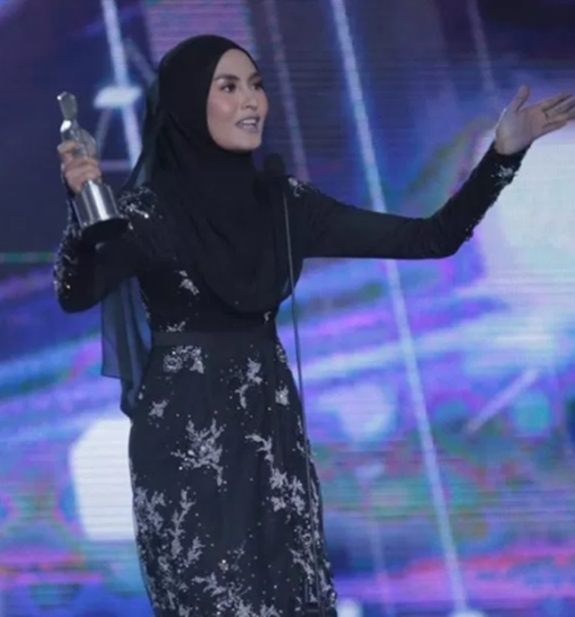 Wany Hasrita Bintang Paling Popular Di ABPBH 31