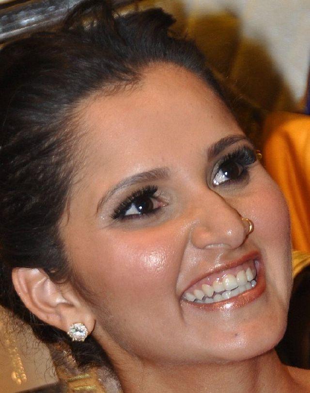 Tennis Player Sania Mirza Hot Oily Face Nose Ring Photos