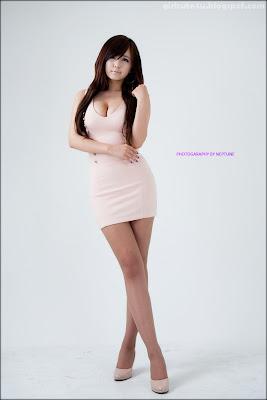 sexy korean girl Ryu Ji Hye - Sexy Peach Dress - I am an