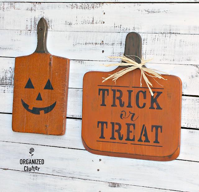 Cutting Boards to Halloween Decor #stencils #Halloween #jackolantern