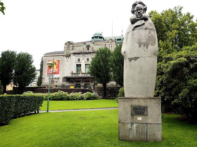 Ibsen, socha, Bergen, umění, nepovedlo se to