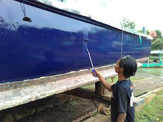 pengecatan kapal fiber
