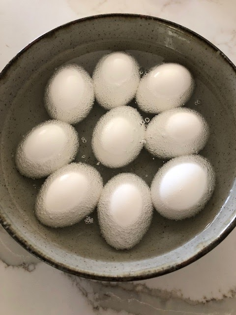 Dyeing eggs using Cool Whip Method
