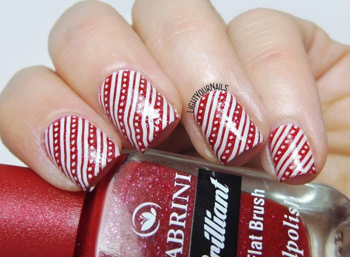 Red white Christmas stripes stamping nail art feat. BeautyBigBang BBB-XL-033 stamping plate manicure natalizia a strisce bianche e rosse #nailart #stamping #nailstamping #nails #lightyournails #unghie