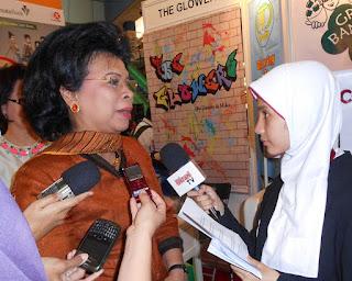 Wawancara Eksklusif Dengan Menteri UPW Ibu Linda Gumelar