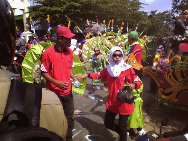 Kipas SD Negeri Tingkis pada festival karnaval kecamatan SInggahan