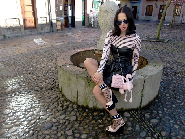 fashion, moda, look, outfit, blog, blogger, walking, penny, lane, streetstyle, style, estilo, trendy, rock, boho, chic, cool, casual, ropa, cloth, garment, inspiration, fashionblogger, art, photo, photograph, Avilés, asturias,stripes, leather, vestido, dress, zara, HyM,
