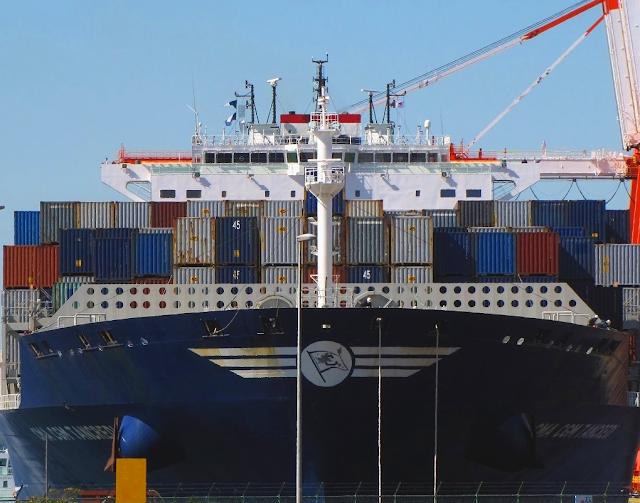 Lagi, Kapal Kontainer Raksasa CMA-CGM Tancredi Dengan Kapasitas 8.700 TEUs Sandar Di Pelabuhan Tanjung Priok