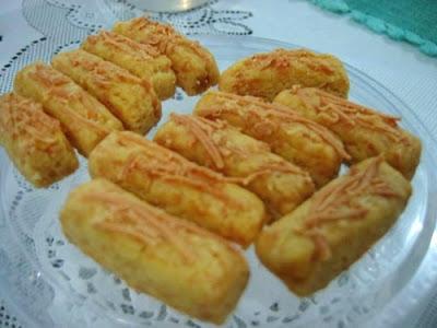 http://resepabu.blogspot.com/2016/12/resep-kastengel-gulung-lezat.html
