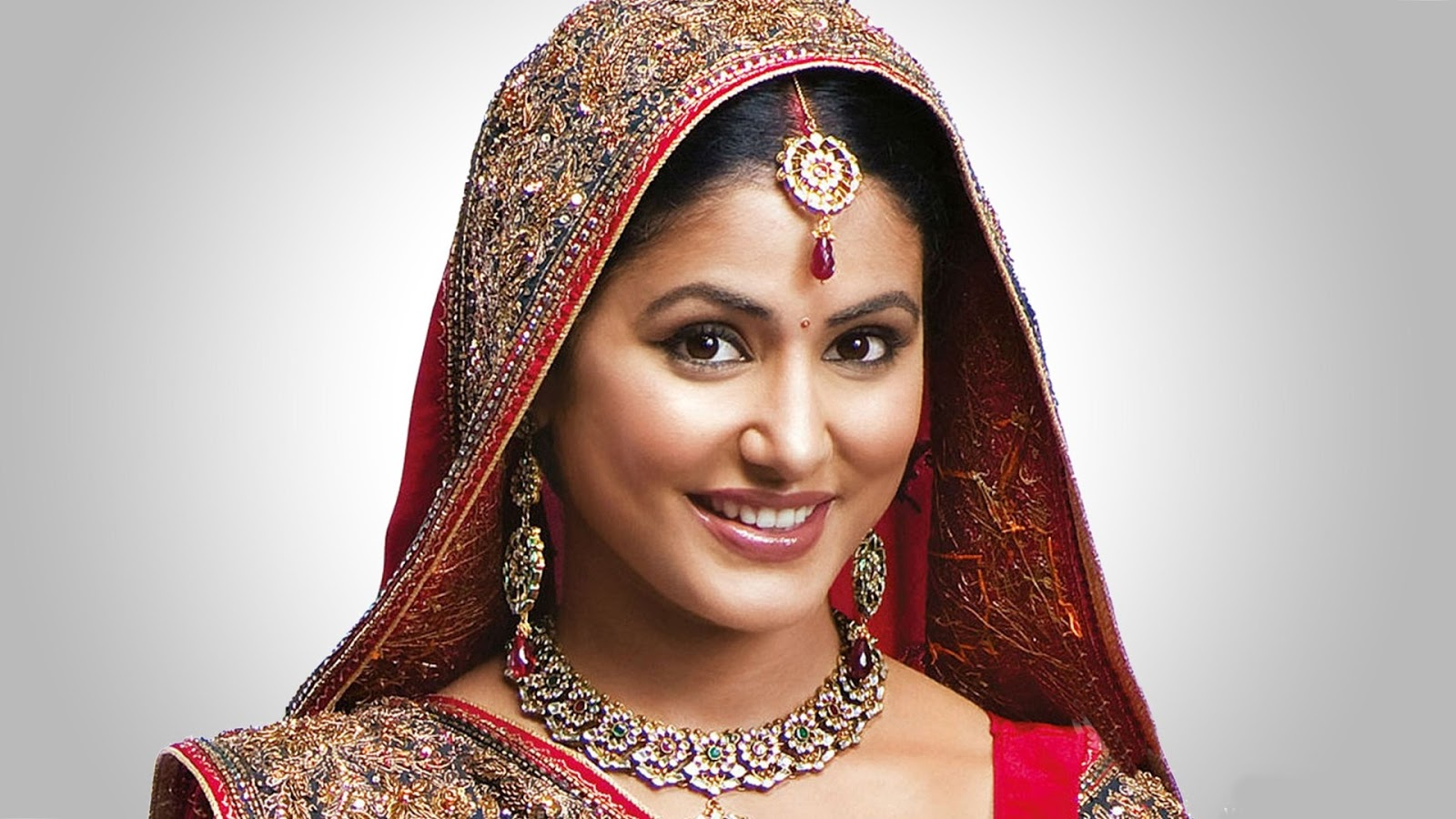 Download All New Collection Of Hina Khan Photos In Hd Quality Best