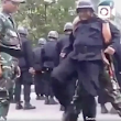 Video Lucu Polisi Belajar Baris Berbaris Kayak Dangdutan