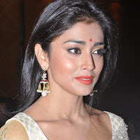Shriya saran spicy stills
