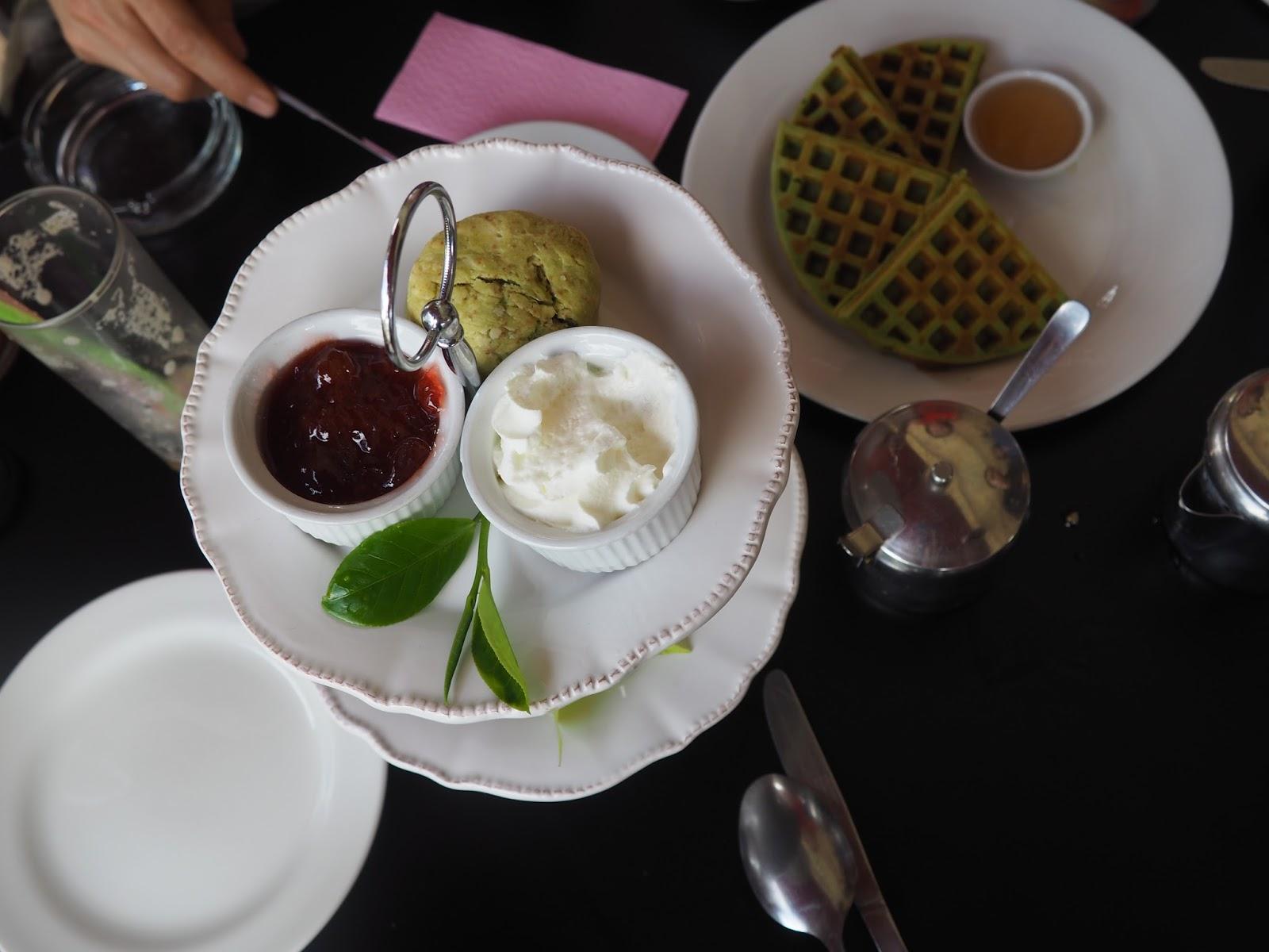 foodie waffle tea breakfast malaysia borneo