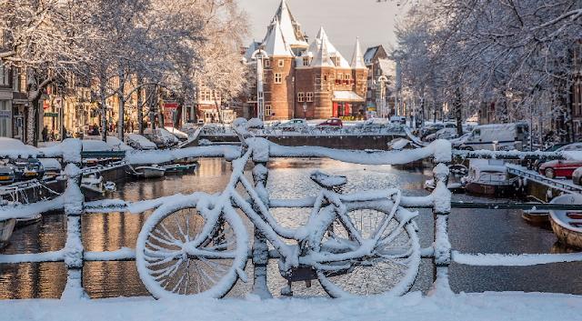 Amsterdã no inverno em fevereiro