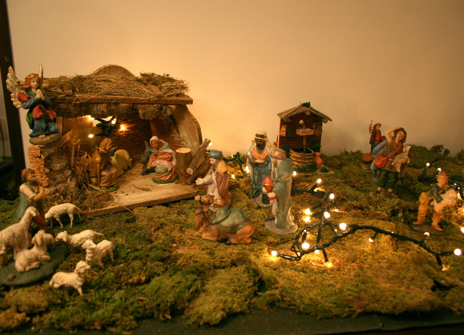 IL PRESEPE / The nativity scene ~ A Foreigner in Italy