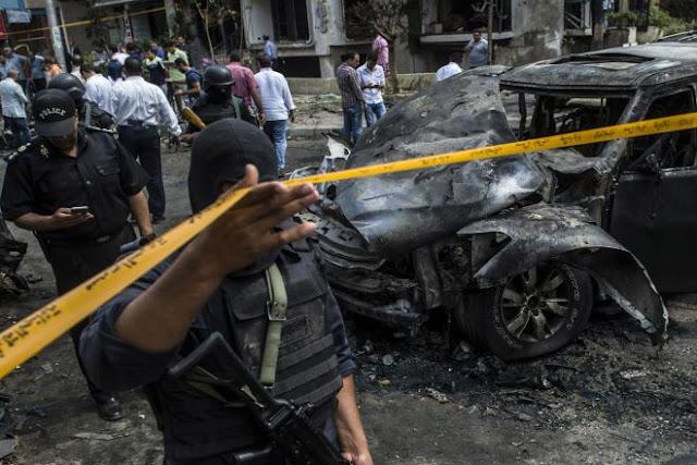 Τρόμος στην Αίγυπτο: Διπλή έκρηξη βόμβας με 10 στρατιώτες νεκρους