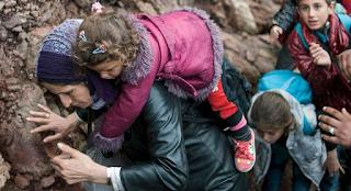 «Μητέρες της προσφυγιάς» μέσα από 15 φωτογραφίες του Reuters