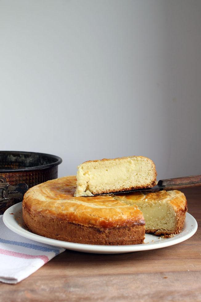 Torta Vasca rellena crema pastelera