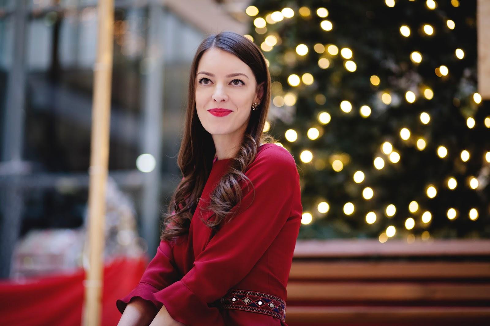 bordové šaty s volánom & vianočné fotenie s Lussy