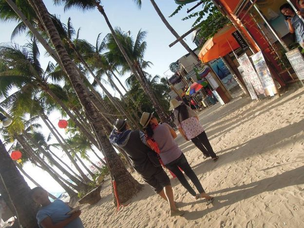 Happy crowd in Boracay