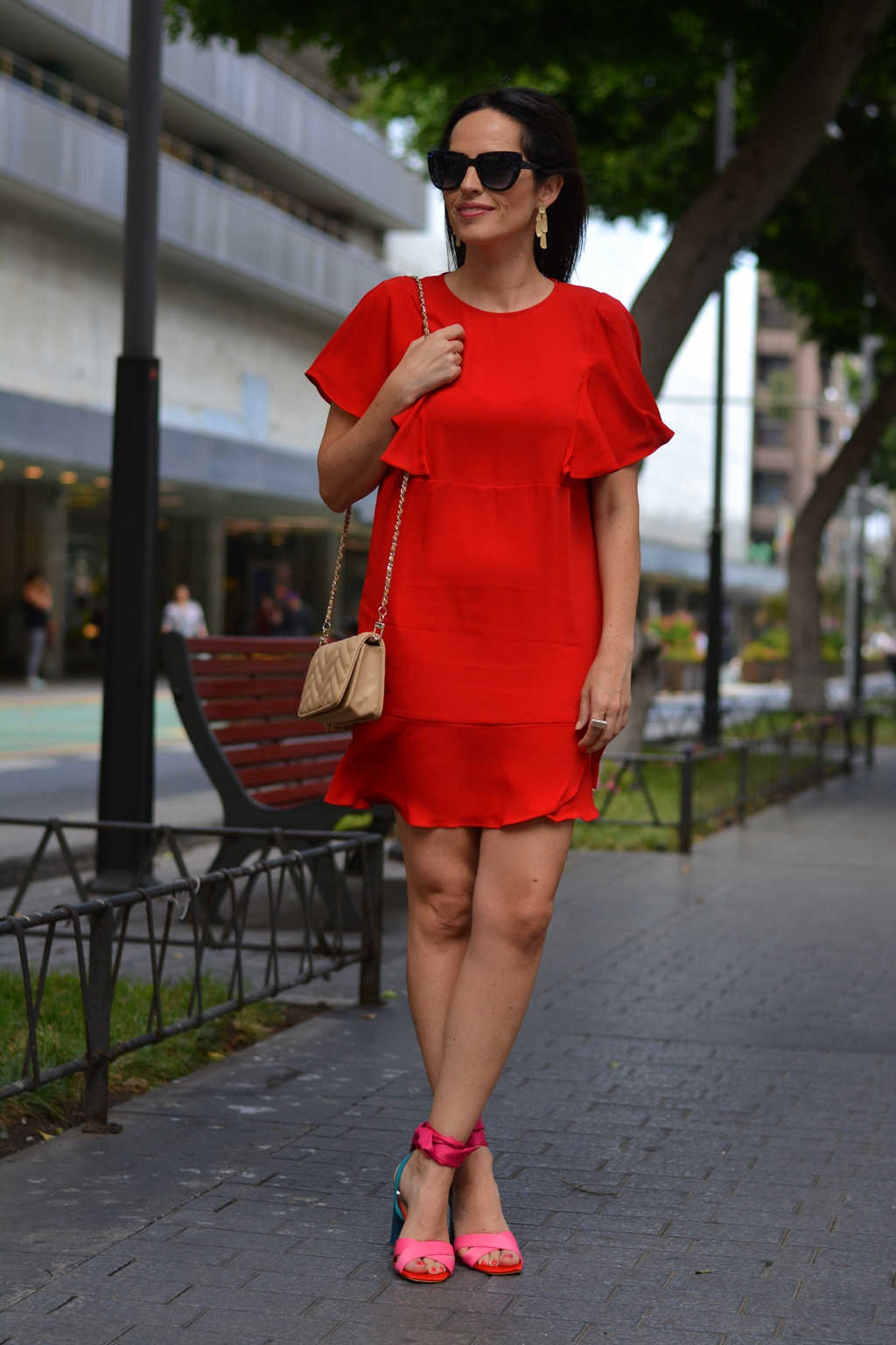 red-dress-outfit-mango-pink