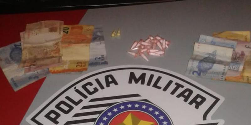 Menores são apreendidos acusados de tráfico de drogas no bairro Carvalho Pinto