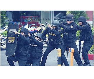 Une voiture piégée tue au moins 10 personnes aux Philippines