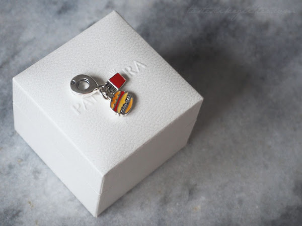 Pandora Burger & Fries Charm.