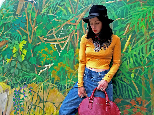 fashion, moda, look, outfit, blog, blogger, walking, penny, lane, streetstyle, style, estilo, trendy, rock, boho, chic, cool, casual, ropa, cloth, garment, inspiration, fashionblogger, art, photo, photograph, Avilés, oviedo, gijón, botines, zapatos, shoes, jeans, mural, zara, bershka,