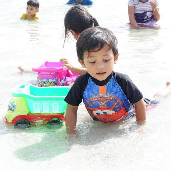 10 Hal Wajib Bawa, Ketika Ke Pantai Bersama Anak
