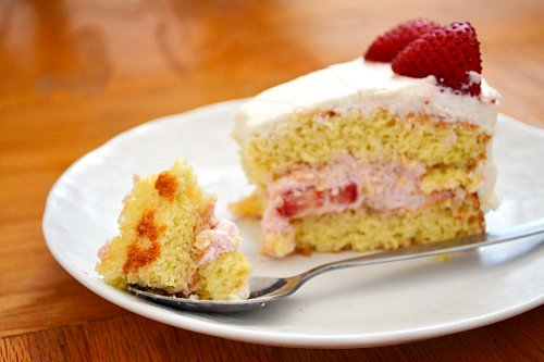 Chinese BakeryStyle Birthday Cake With Strawberry Mousse Filling - Birthday cake chinese style