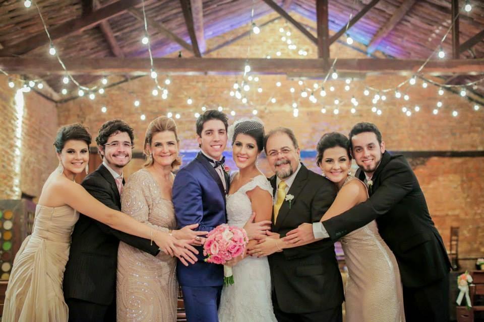 casamento-lindo-singelo-festa-luzinhas-familia