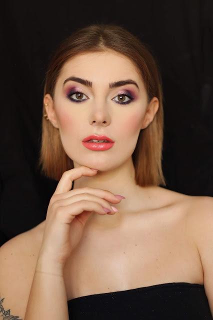 Makijaż fioletowy z różem. Nie tylko na ślub!