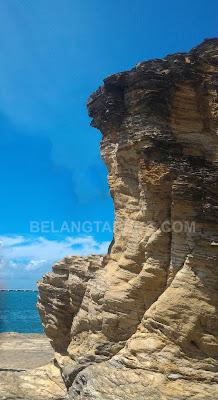 Konkrit Batu Kawi Jingga
