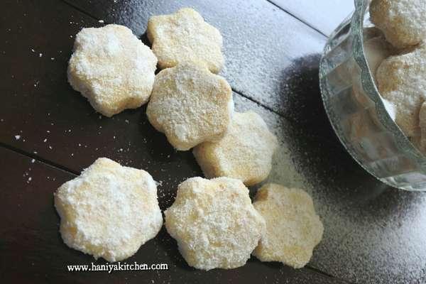 Resep Kue Kering Putri Salju Keju Lumer