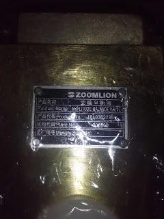 van chống tụt xy lanh nâng cần cẩu Zoomlion-1010302235