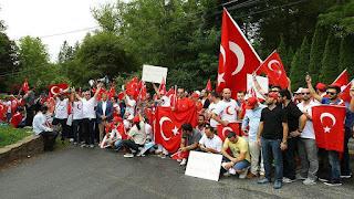 Warga Turki Di Amerika Tuntut Gulen Agar Diekstradisi Ke Turki - Commando