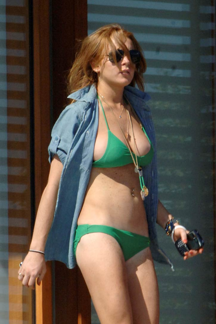 Linsey Lohan Sexy 4