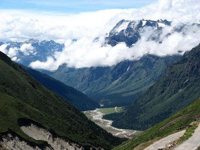 Lachen and Yumthang Valley