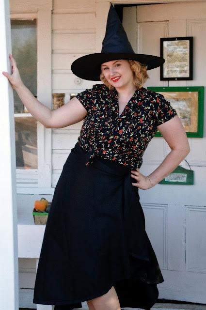 plus size pinup retro halloween witch via Va-Voom Vintage