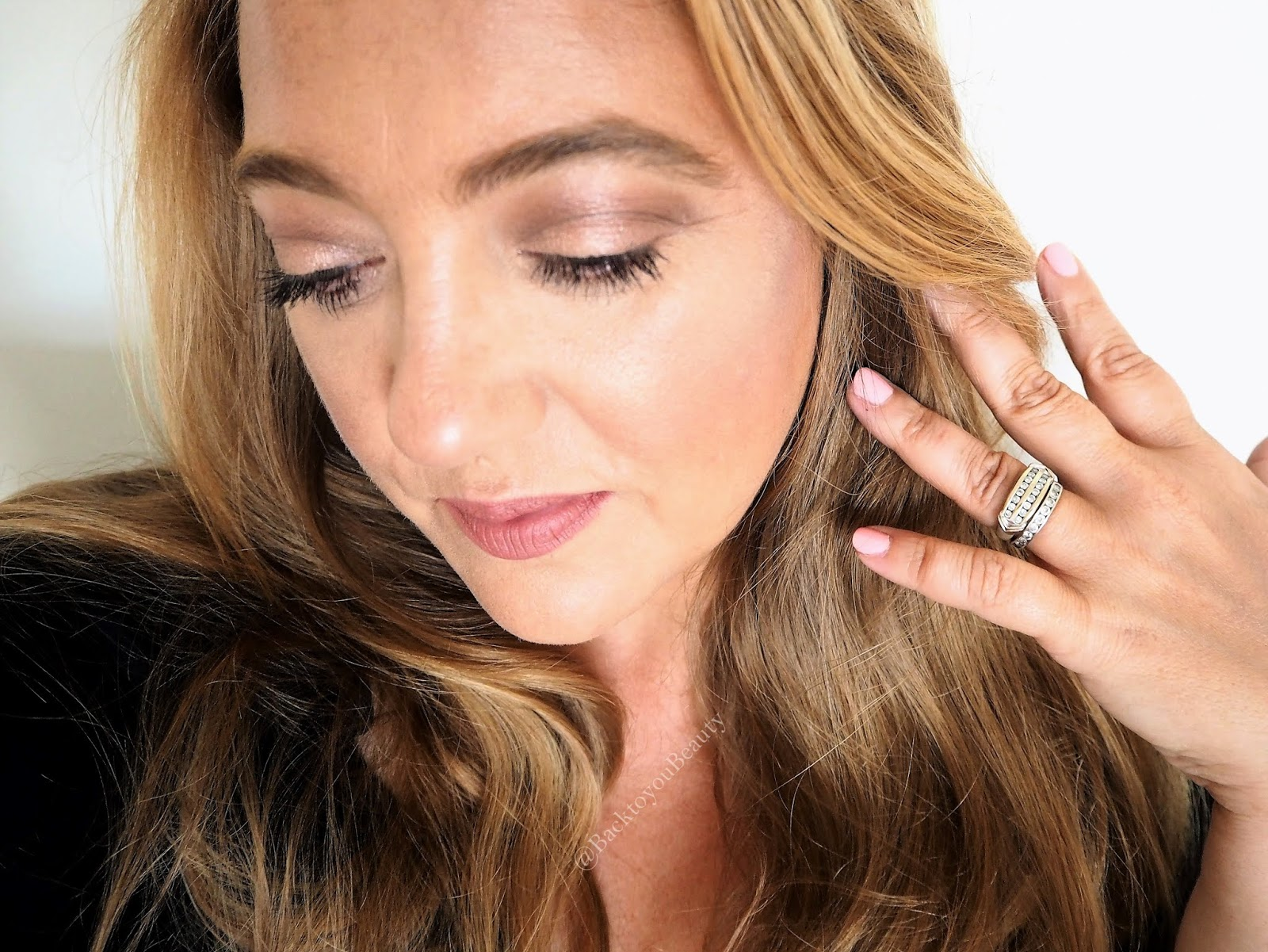 My current go to Summer glam make up look featuring Charlotte Tilbury and Marc Jacobs