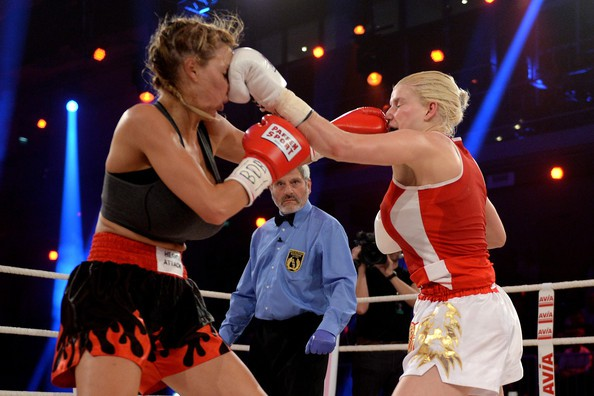 jordan-carver-vs-melanie-muller-boxing-fight-2