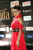 Apoorva in a Stunning Tight Leg Split Sleeveless Red Gown at IIFA Utsavam Awards 55.JPG