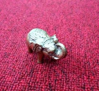 Patung Gajah Bertuah-patung gajah berkhodam