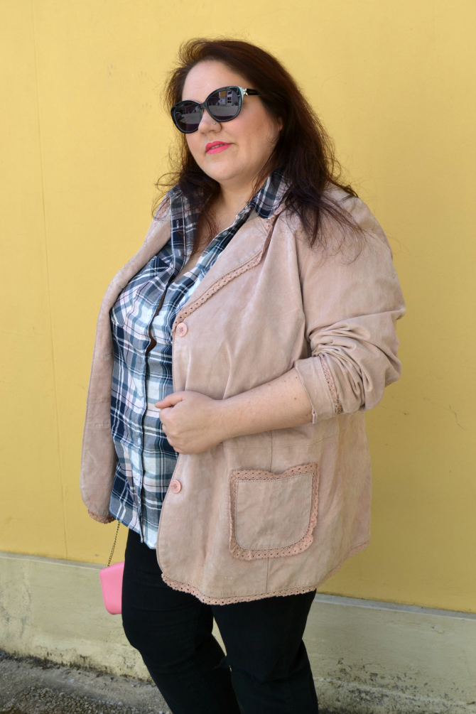 outfit rosa e nero plus size curvy bodypositeamit