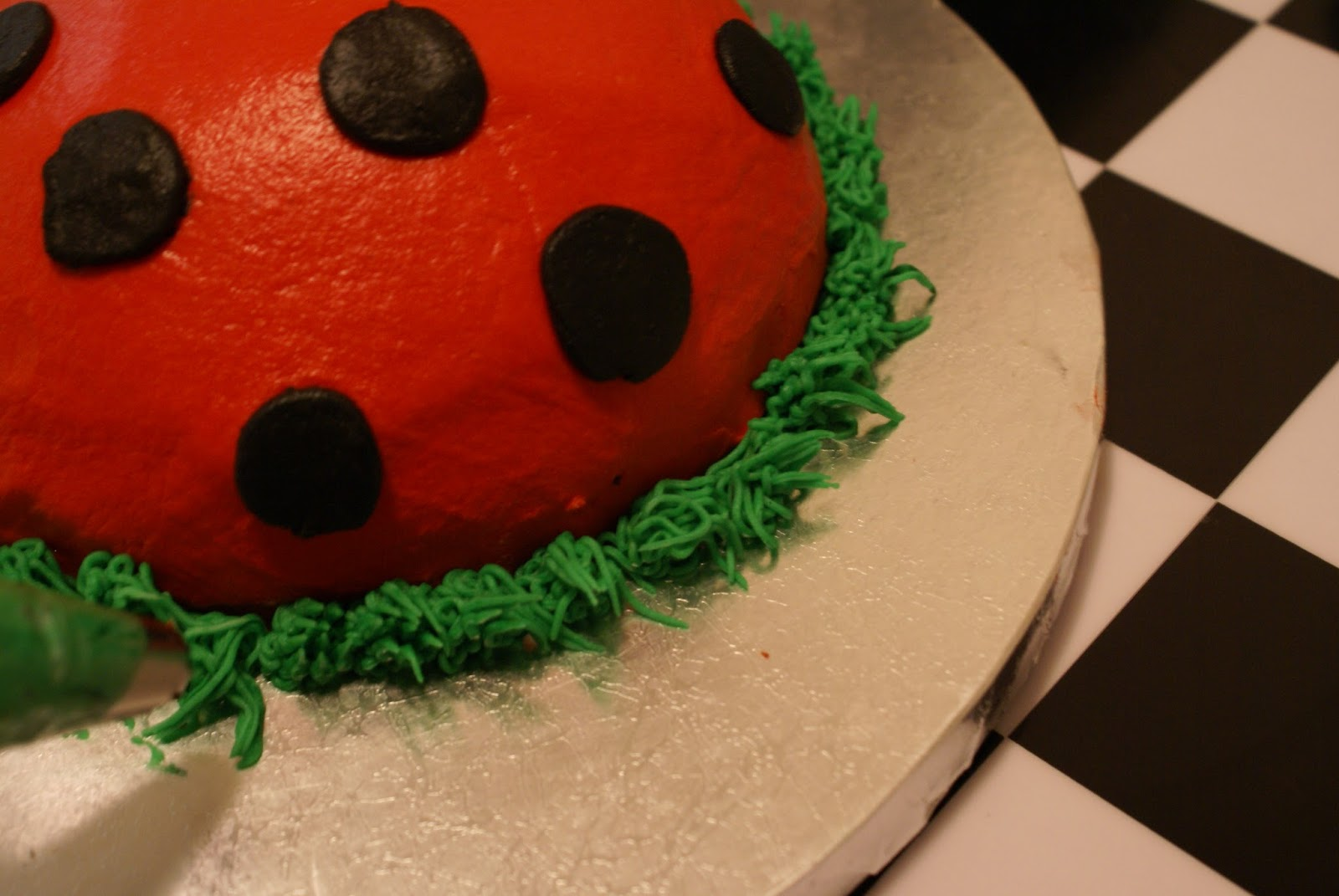 Lovely Ladybugs 2-3085
