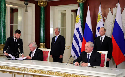 Signing of Russian-Uruguayan documents.