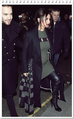 シェリル・コール(Cheryl Cole)は、フェンディ(Fendi)のフレアコート、アレキサンダーワン(Alexander Wang)ミリタリーテイストのニットワンピース、アレキサンダーマックイーン(Alexander McQueen)のサイハイレザーブーツを着用。