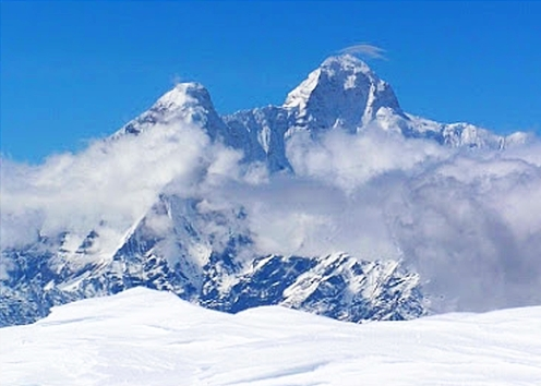 Sacred peaks of Nanda devi and Sunanda Devi in Himalayas (photo by: Alex Moran)