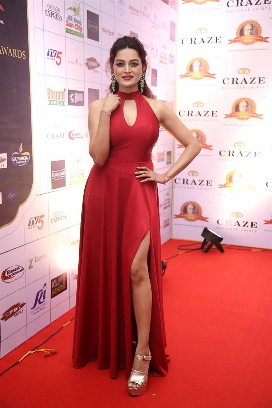 Dancer Ketki N Walsee in Red Dress at Dadasaheb Phalke Awards